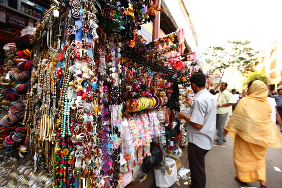 085e33d0c8e073 Being a city of intellectuals and art lovers, Kolkata turns a perfect  destination for shopping freaks. Ethnic wear is the specialty of Kolkata ...